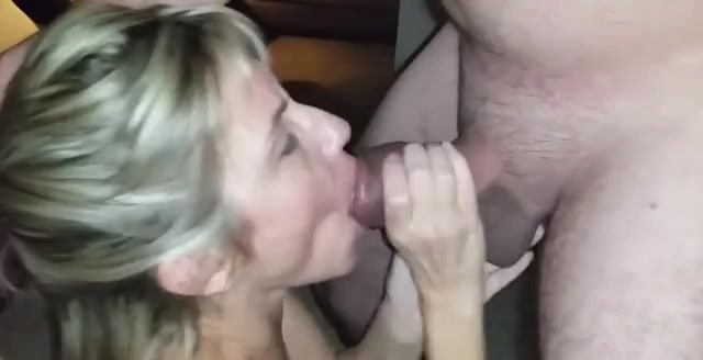 Milf cum in her mouth